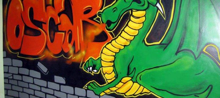 Hay un dragón en mi habitación!!