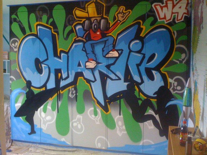 Armario decorado con graffiti